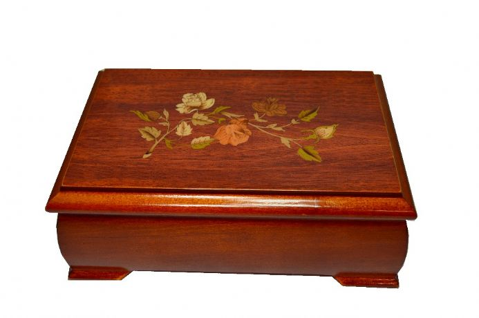 Courtney 1602 Musical Jewellery Box